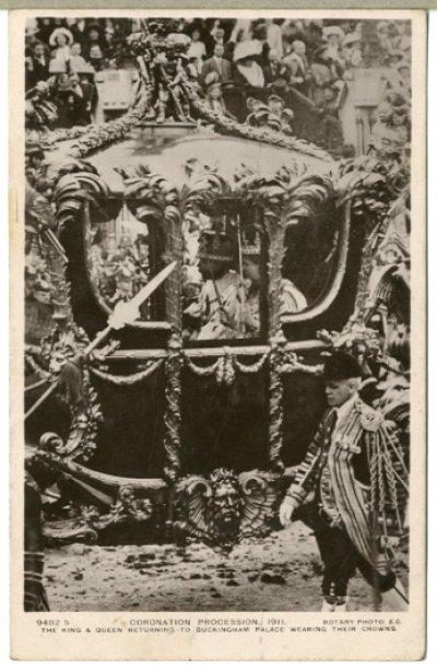 画像1: 絵葉書 CORONATION PROCESSION,1911 THE KING&QUEEN RETURNING TO BUCKINGHAM PALACE WEARING THEIR CROWNS.